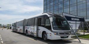 Ônibus biarticulado F 360 HA da Scania (foto: divulgação).