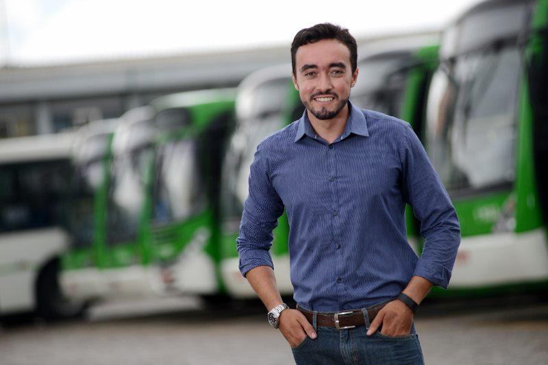 Fernando Cesar, da Santa Brígida, comemora resultados com uso de telemetria. (Foto de Divulgação da Volvo Bus)