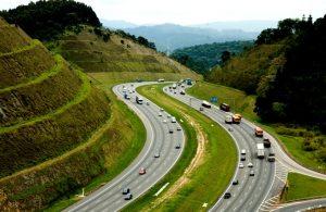 Rodovia dos Bandeirantes, considerada uma das melhores do país.