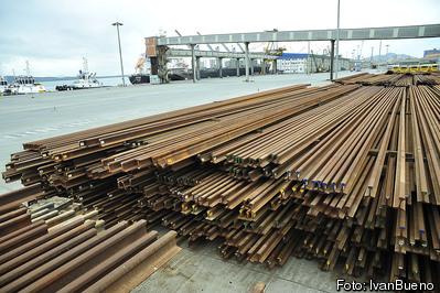 Novo layout do pátio do Porto de Paranaguá permite movimentação de toneladas de trilhos