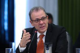 Ministro de Minas e Energia investimentos